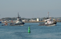 STEENBANK on her way to Maassluis in tow of tugs ALBATROS and MAASSLUIS (aft)|